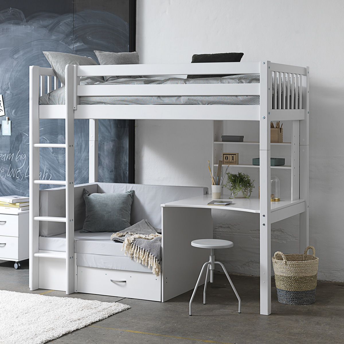 Image of   Flexa Basic høj børneseng med skrivebord og sofa/chaiselong - Nordic
