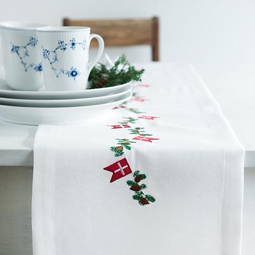 Langkilde & Søn bordløber broderet med julemotiv