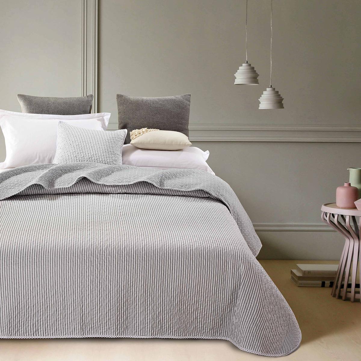 Billede af Simone quiltet sengetæppe - Grå